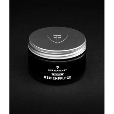 HERRENFAHRT Kunststoff Pflege – detailer do wnętrza samochodu – 300ml (1)