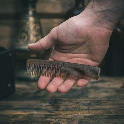 Bluebeards - Męski grzebień do brody i wąsów z płynnego drewna - Liquid Wood Comb