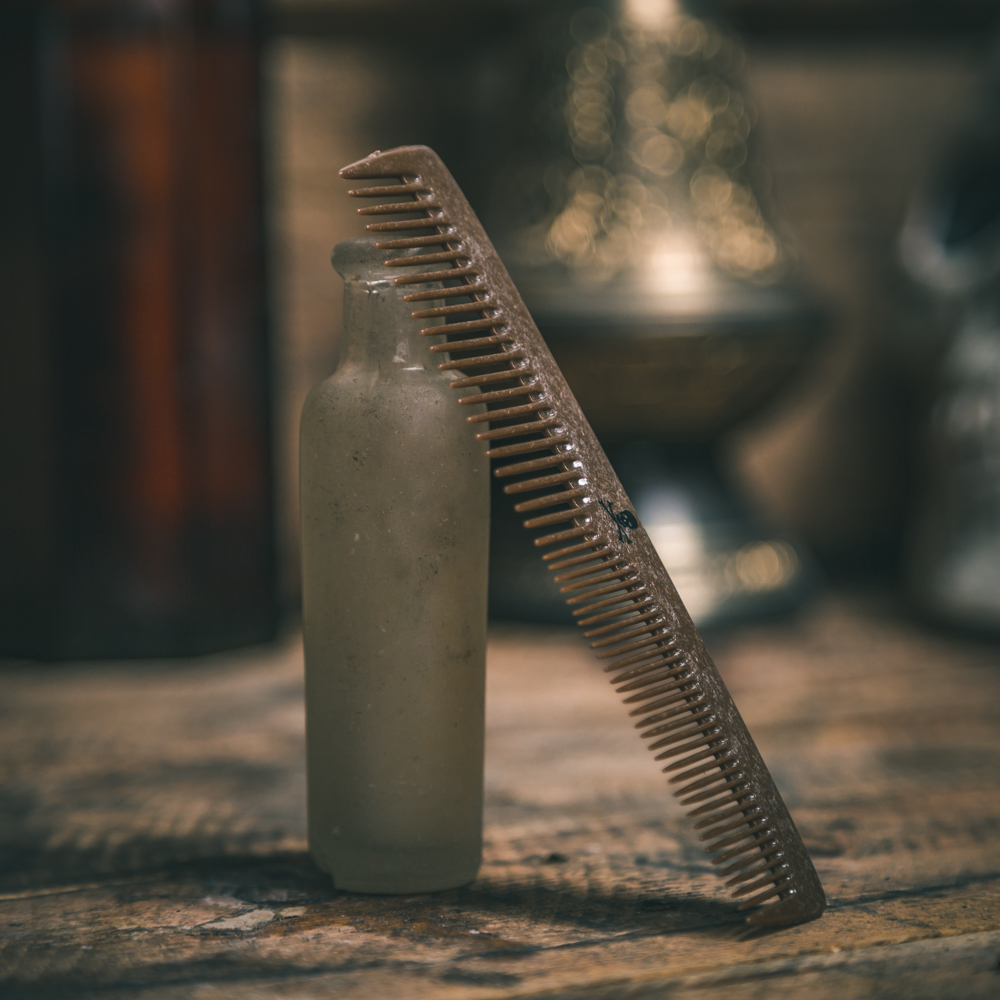 Bluebeards - Męski grzebień do włosów z płynnego drewna - Liquid Wood Comb